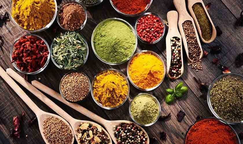 8 Most Common Italian Spices You Can Buy From an Italian Grocery Store