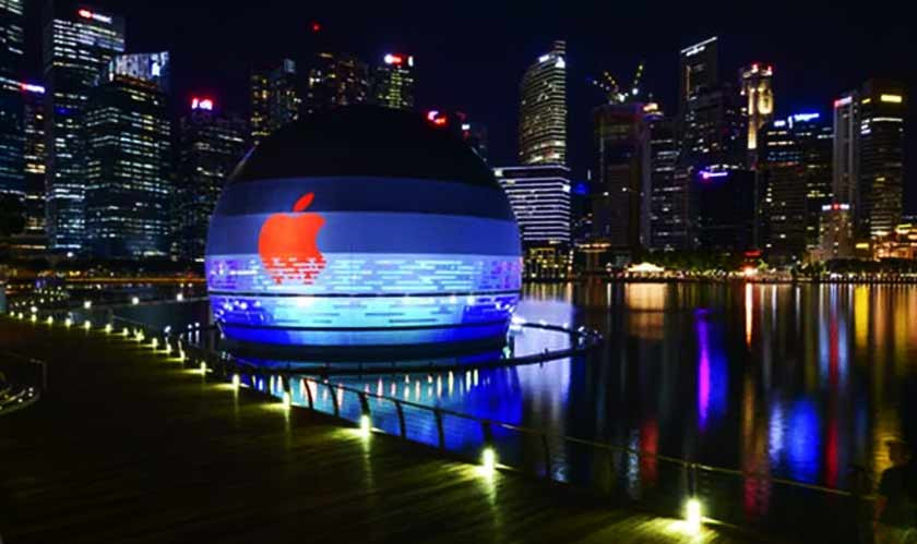 Apple Unveils Its Breathtaking Marina Bay Sands Store in Singapore