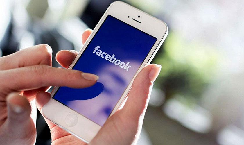 facebook hires 1000 people