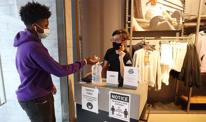 Retail workers again feel vulnerable as mask enforcement is fading away